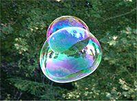 Deux bulles ou double bulle?
