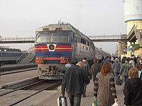 Une locomotive en gare de Krementschug.