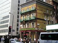 The Albert, Victoria Street, l'un des pubs les plus célèbres de Londres.