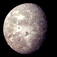 La meilleure image d'Obéron prise par Voyager 2(24janvier1986, NASA)