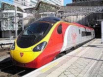 Rame pendolino classe 390 de Virgin Trains en gare de Birmingham New Street.
