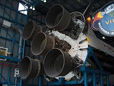 Les moteurs de la fusée exposée au Kennedy Space Center de Floride