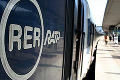 Logo RER RATP sur un MI 84 du RER A