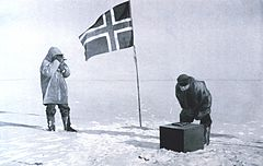 Mesure scientifique au p�le, photo extraite de Le p�le Sud, de Roald Amundsen (1872-1928)