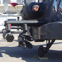 Missile AGM-114 Hellfire et roquettes Hydra 70