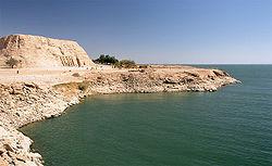 Temples d'Abou Simbel du pharaon Ramsès II, déplacé dans les années 1960 au bord du lac Nasser pour ne pas être inondé par les eaux du barrage d'Assouan.