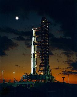 La première Saturn V avant le lancement d'Apollo 4