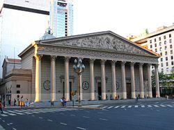 La Cathédrale métropolitaine de Buenos Aires fut la première église catholique à être construite dans la ville