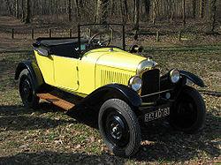 La Citroën 5HP Torpedo cul-de-poule, dont la version à trois places est connue sous le nom de Trèfle (1922)