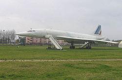Concorde 002 visible au musée Delta à l'aéroport d'Orly.