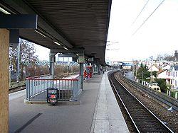 Les quais de la gare basse (Neuville-Université/Achères-Ville)