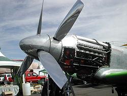 Hélices contrarotatives sur un P-51 (moteur Rolls-Royce)