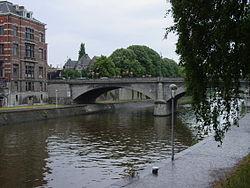 Namur, la Sambre, le Pont de la Libération. Photo: Benoît Cassart.