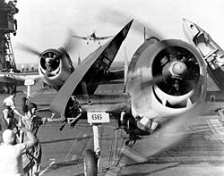 Des F6F Hellcat embarqués
