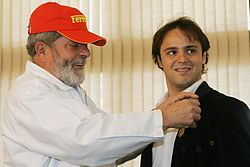 Felipe Massa décoré de la médaille du mérite sportif brésilien par Luiz Inácio Lula da Silva, président du Brésil, en octobre 2006