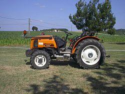 Renault Fructus, Tracteur le plus petit des tracteur de la game (version fruitier) des années2000