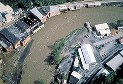 Lutter contre les inondations, mais aussi contre les construction en zones inondables...