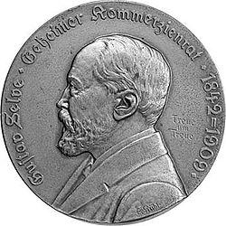 Gustav Selve, recto d'une médaille de la firme Basse & Selve