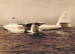 Le Spruce Goose du millardaire américain Howard Hughes en 1947