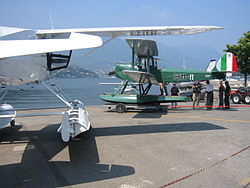 Hydravion biplan Mussolinien historique de la 1re guerre mondiale à l'Aérodrome de Côme, Italie