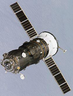Progress en approche de la station spatiale internationale