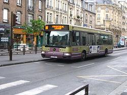 Autobus standard Irisbus Agora , à Reims, France