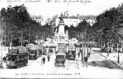 La place carnot au d�but du XXe si�cle�: la station des tramways