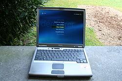 Un Dell Latitude D600 affichant l'écran d'accueil de MCE