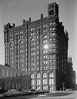Le Metropolitan Building, détruit en 1961 dans le cadre du renouvellement urbain.