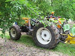 Renault Pales, Tracteur de puissance moyenne pour les arboriculteurs, ou agriculteur des années 2000