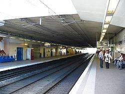 Les quais de la gare RER d'Antony