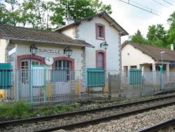 La gare de Courcelle-sur-Yvette vue du quai opposé