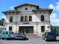 Façade de la gare d'Orsay-Ville