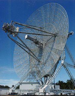 Cette antenne radar longue port�e, connue sous le nom ALTAIR, est utilis�e pour d�tecter et pister les objets spatiaux en conjonction avec le syst�me de missiles antibalistique ABM sur le site Ronald Reagan Test Site localis� principalement sur l'atoll Kwajalein