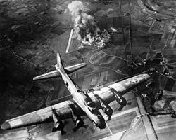 Raid de la 8th USAAF sur Marienbourg en 1943