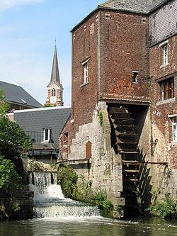 Roue du grand moulin d'Arenberg (XIXème siècle) sur la Senne à Rebecq (Belgique)