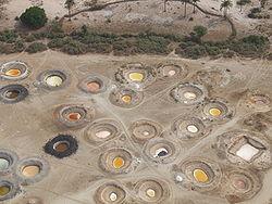 Puits de sel dans le Sine-Saloum (Sénégal) photographiés d'un ULM