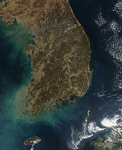 Une des applications possibles des satellites: la cartographie. Ici une image prise par le NASA de la Corée du Sud en janvier 2004.
