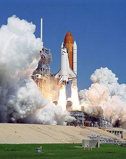 Lancement de la navette Atlantis pour la mission STS-115