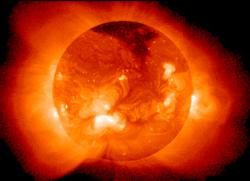 Le soleil, siège de nombreuses réactions de fusion nucléaire