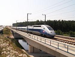 Le TGV POS, assurant la desserte de l'Allemagne et de la Suisse.