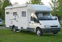 Un Camping-car de type profilé