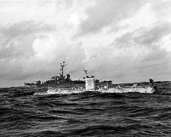 Le Trieste, au dessus de la Fosse des Mariannes, le 23 janvier 1960