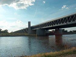 Le pont-canal de Magdebourg fini en 2003 est le plus long d'Europe.