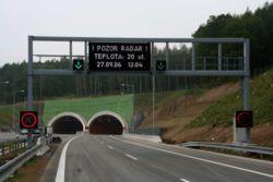 Le tunnel, mieux que la tranchée couverte permet de conserver des zones de paysages intactes, mais il impose de bonnes mesures de sécurité