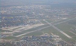 Vue aérienne de l'aéroport de Varsovie