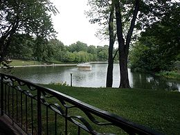 Vue de l'étang du parc Lafontaine