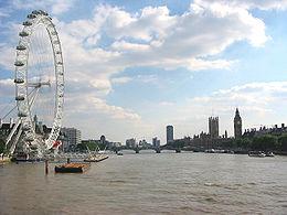 La Tamise à Londres, vue du pont du Jubilé d'or (Golden Jubilee Bridge).