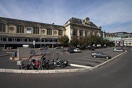 La gare côté Seine (cour des départs)
