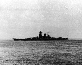Le Musashi quittant Brunei en octobre 1944 pour rejoindre la bataille du golfe de Leyte.